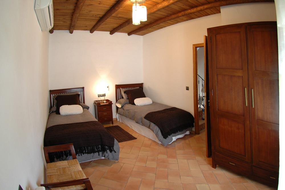 la rabá habitación con dos camas